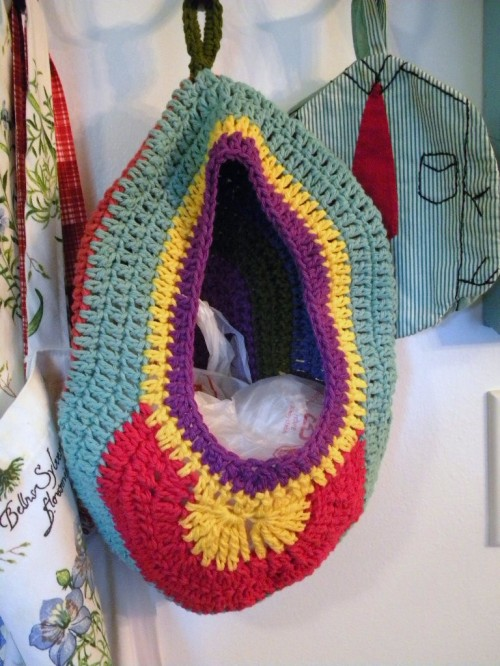 Crochet Plastic Bag Dispenser Pattern : 4th of July Happenings, Crochet Update; another Crochet ...