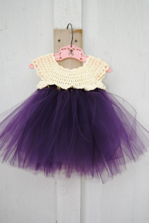 Sunday I could not help myself. I had to make a few more tutus. I love the way this one turned out with its purple tulle.