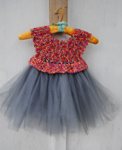 I have to tell you that I think I am totally obsessed with making these cute as a button tutus.