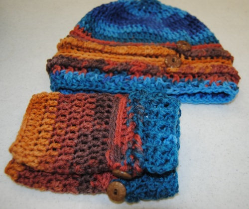 Friday night I also dropped off the Ups and Downs Slouchy hat and fingerless mitts to Picket Fence so that Lisa can advertise my upcoming class on August 12 and 19 from 6:00 pm - 8:00 pm. I made these from Liberty Wool yarn and I love the way they turned out.