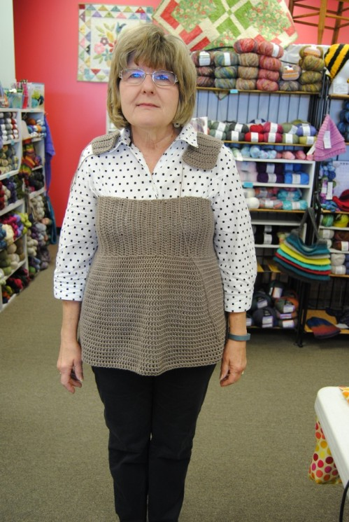 The rest of the week was spent at work and in the mornings and lunch time I worked on this sleeveless sweater that will be an upcoming class at Picket Fence. This is Lisa Johnson who owns Picket Fence and will be the proud owner of the top when the class is over. :) I had to try it on her so that I could get the correct measurement of the straps. Thank goodness I did try it on, because I needed to add about 5 more inches to them.