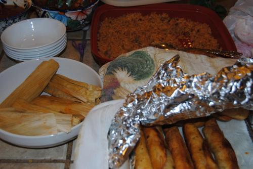 We had home made tamales, flautas, beans, Spanish rice, pasole, and chips and salsa. It's making me hungry for Mexican food.