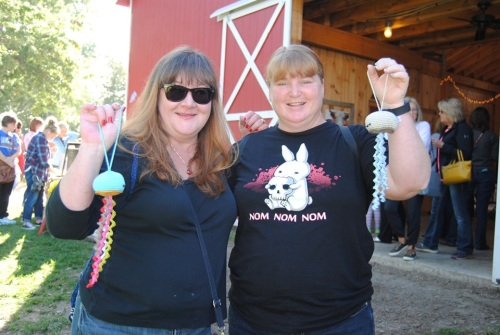 Our plans were to meet up with Lisa on the left and Martha on the right. Lisa and Martha are from Iowa and traveled here to take in the barn sale and meet up with me and Susie. I gave them each a crochet jelly fish and they loved them.